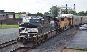 2 ns northbound (westbound) on the former n&w (nee, prr sandusky branch) marion, ohio june 21, 2017 d. leffler
